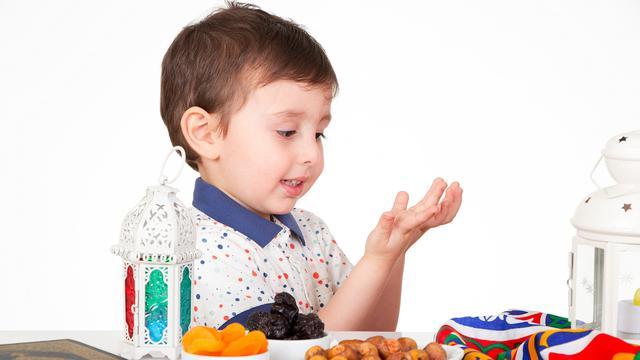 Tips Mengajarkan Ibadah Puasa pada Anak